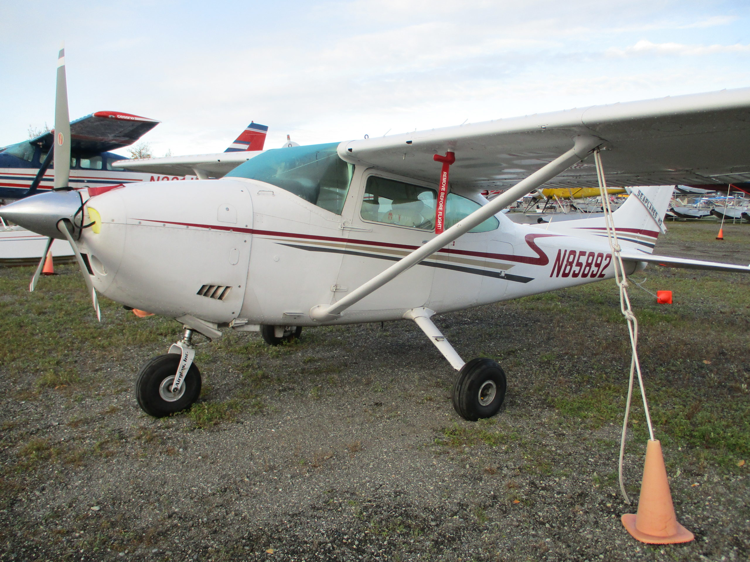 Very Nice 1973 Cessna 182P with Float Kit and Long Fuel