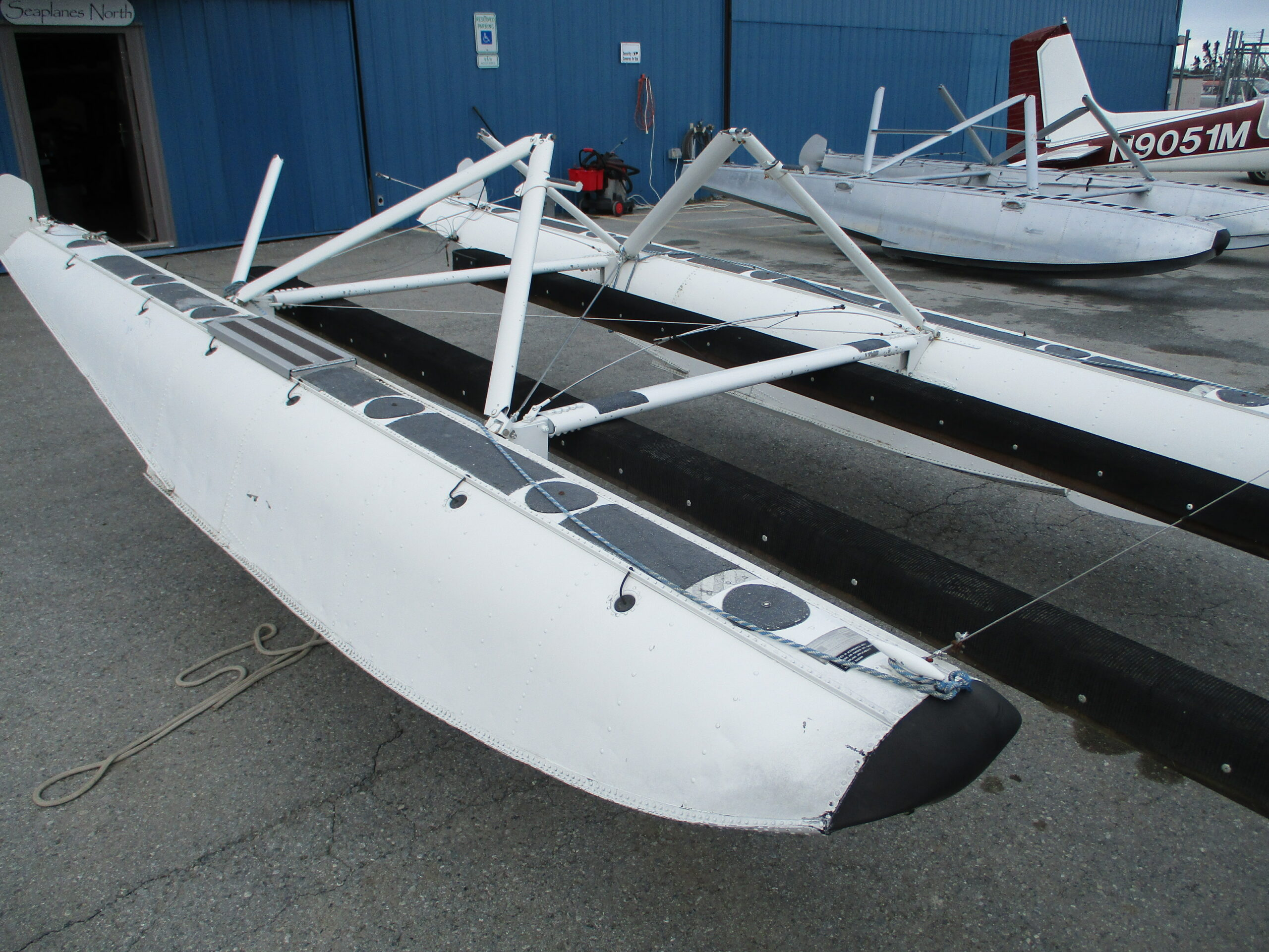 Nice EDO 2000 Floats w/Cub Rigging